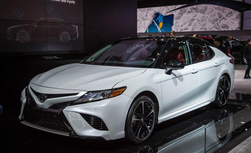 2018-Toyota-Camry-128-876x535.jpg