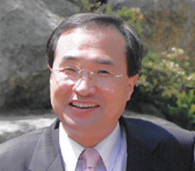 자유한국당 싱크탱크인 여의도연구원장에 17일 공식 취임한 김대식 원장은 보수우파 재건을 위한 내부 혁신 의지를 강조했다./여의도연구원 제공